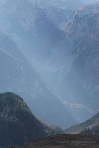 Streiflicht zwischen den Bergen
