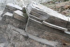 Plattiger Fels