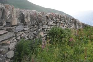 Die berühmte Trockensteinmauer der Alp Curtginatsch
