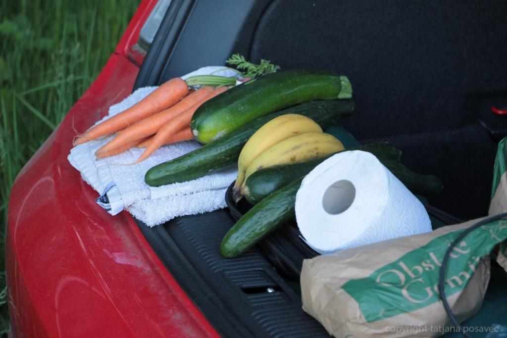 Gemüsevorrat im Kofferraum