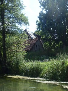 Verfallene Gebäude der Harnbachmühle
