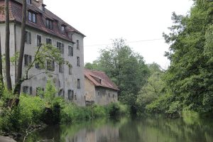 aufgegebene aber funktionsfähige Kunstmühle von 1910