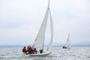 Segelboote in voller Fahrt
