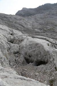 Verstürzte Höhlen überall...